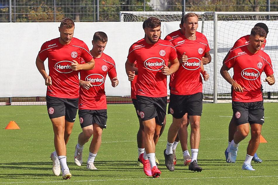 Nach zwei positiven Corona-Tests bei Fortuna Düsseldorf sind mehrere Spieler wieder ins Training zurückgekehrt.