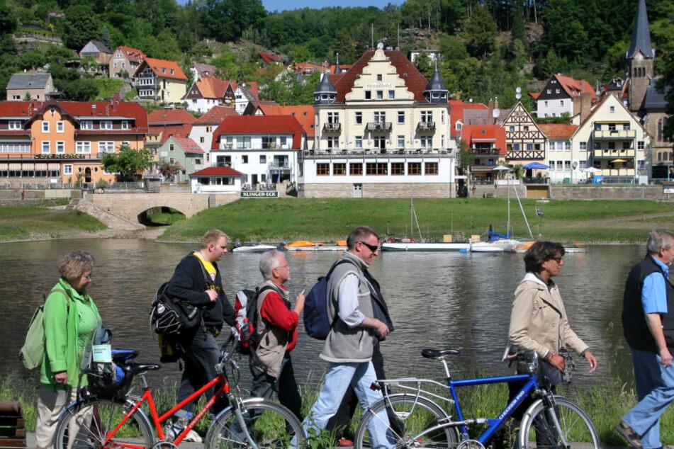 Auch wenn man vom östlichsten Ende Dresdens Wehlen noch erreicht, bleibt Gruppenbildung verboten.