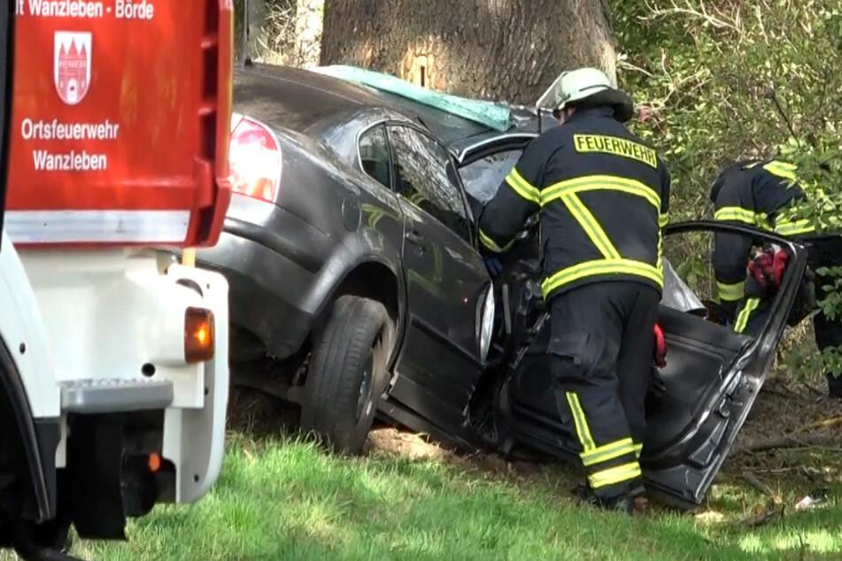 Für den Unfallfahrer, einen 58-Jährigen, kam jede Hilfe zu spät. Ein herbeigerufener Notarzt konnte nur noch seinen Tod feststellen.