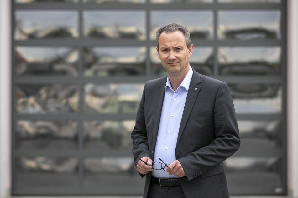 Bildungsbürgermeister Jan Donhauser (51, CDU) will weder Kitas noch Schulen für günstige Parktickets opfern.