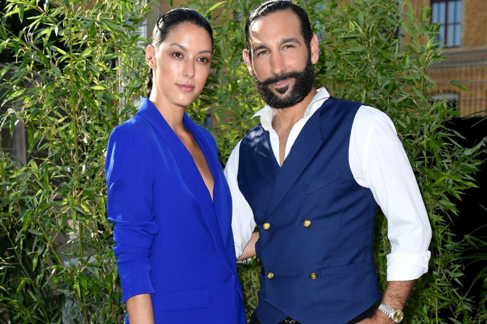Das haben sich die Fans wohl zu früh gefreut: Model Rebecca (28) Mir und ihr Mann, Massimo Sinató (39), erwarten derzeit kein Kind.