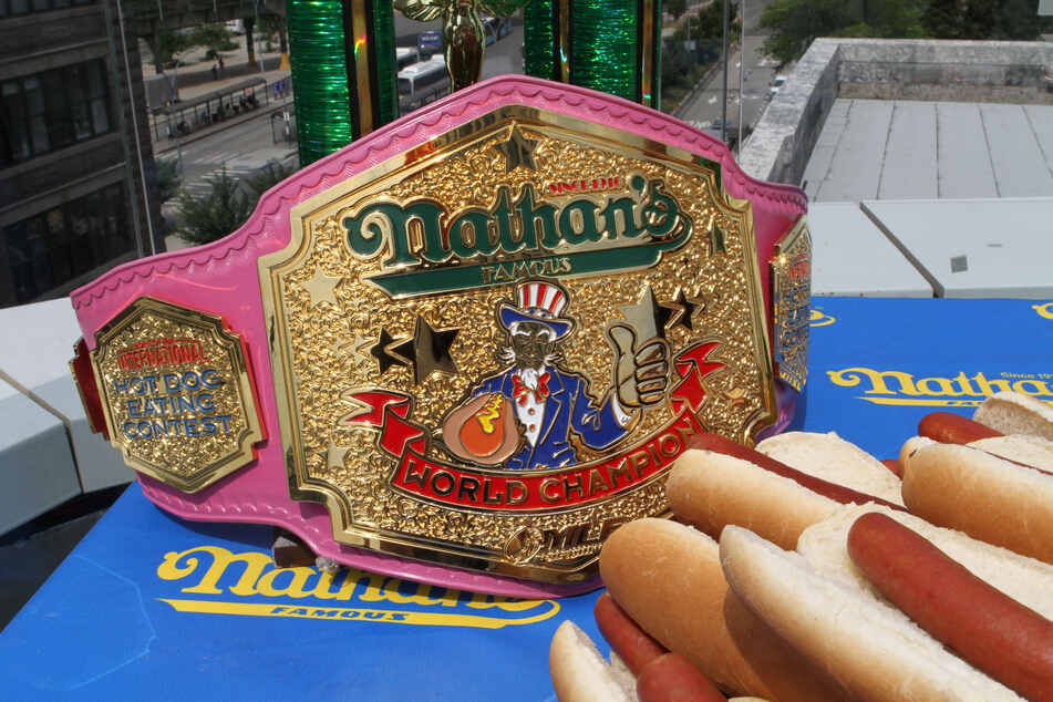 Der Weltmeister-Gürtel des jährlichen Hotdog-Wettessens am Unabhängigkeitstag liegt beim Einwiegen auf einem Tisch.