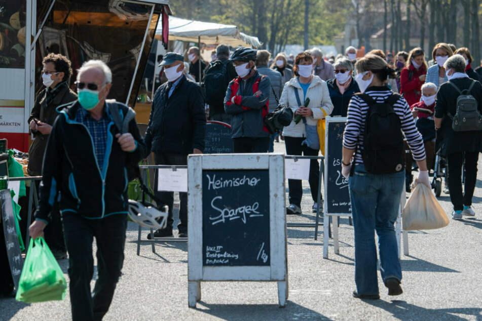 Ab Montag herrscht in Sachsen im ÖPNV und in Geschäften Mundschutzpflicht.