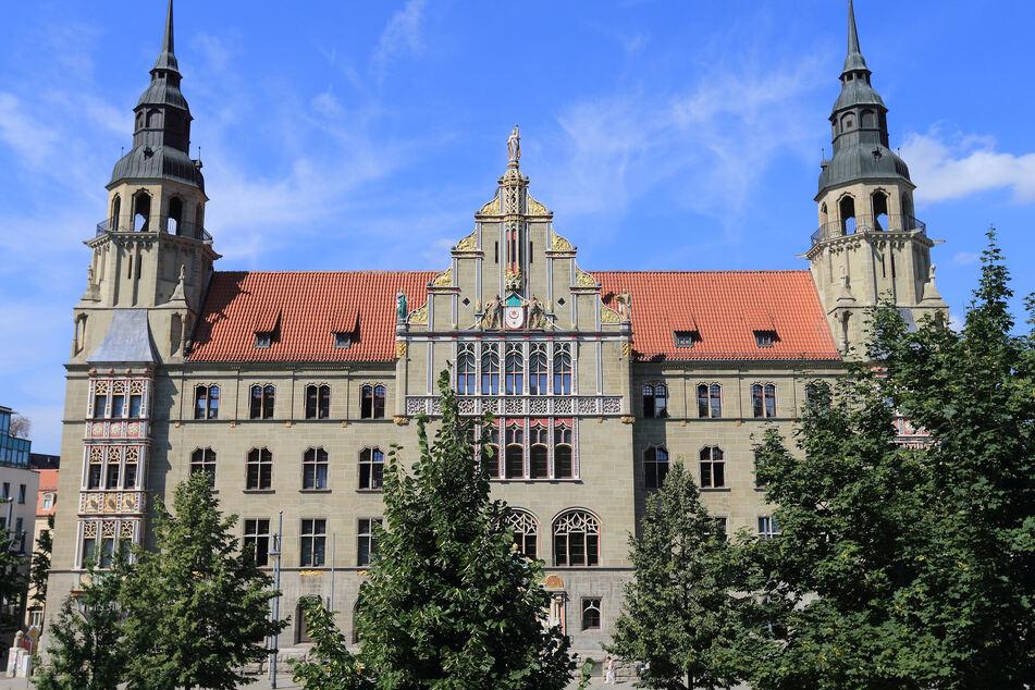 Am Landgericht Halle wird der Prozess um den Tod eines Kleinkindes verhandelt. Der 27 Jahre alte Angeklagte streitet die Tat ab.