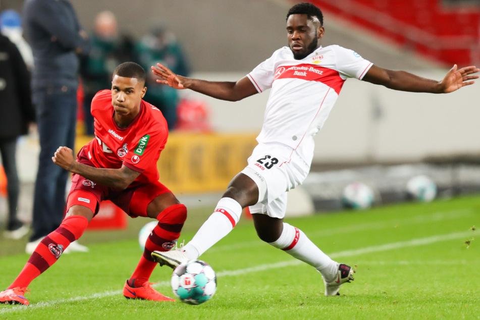 Kölns Ismail Jakobs (l.) in Aktion gegen Stuttgarts Orel Mangala (22), der nach 24 Sekunden zum 1:0 für den VfB traf.