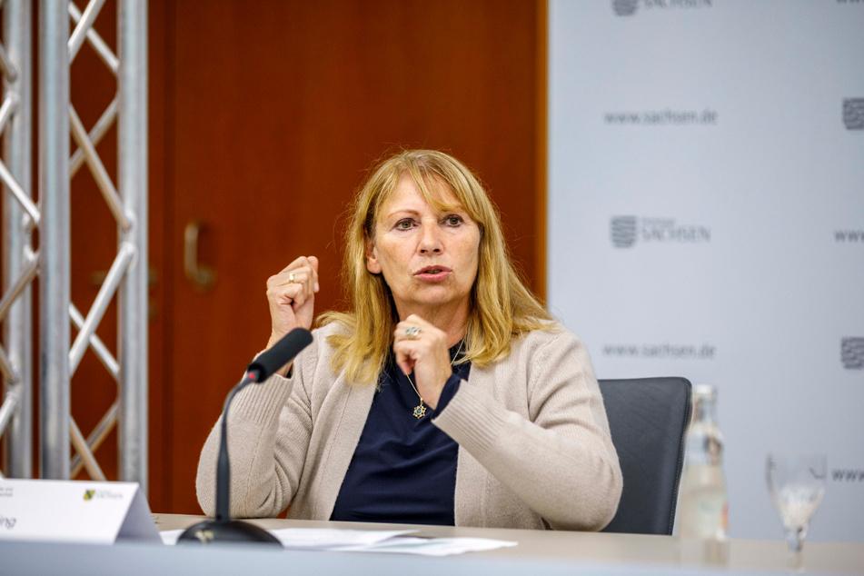 Tanzen verboten! Sozialministerin Petra Köpping (62, SPD) droht den Tanzlehrern mit Bußgeldern.