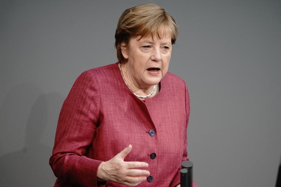 Bundeskanzlerin Angela Merkel (66, CDU) spricht im Bundestag zu den Abgeordneten. Thema ist die erste Lesung zur Änderung des Infektionsschutzgesetzes.