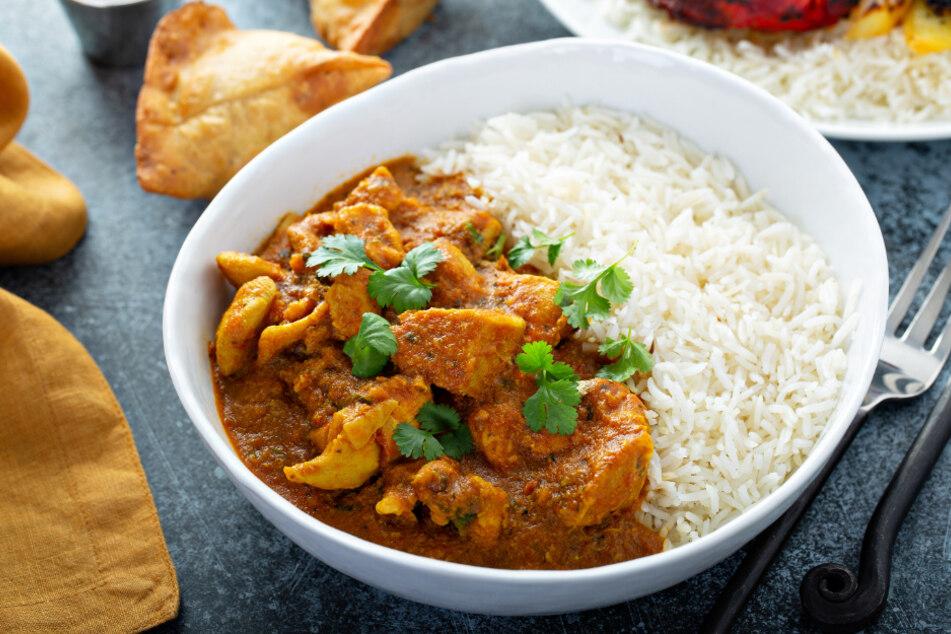 Mahlzeiten mit Curry sind köstlich, doch was sollte man am besten dazu trinken?