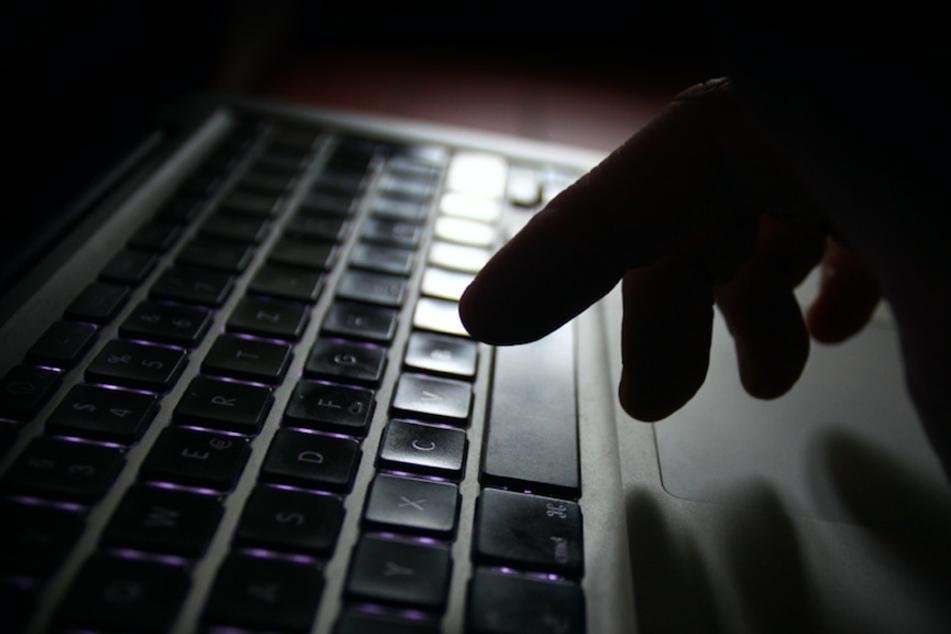 Straftaten finden heutzutage vermehrt im Internet statt. (Symbolbild)