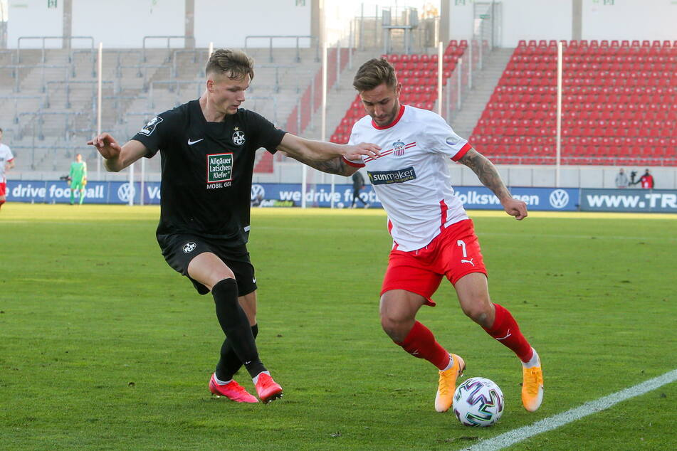 Nach dem Spiel am Mittwoch in Saarbrücken muss der FSV Zwickau am Samstag zum 1. FC Kaiserslautern. Dann könnte Felix Drinkuth (26, r.) auch wieder auch Philipp Hercher treffen.