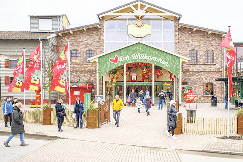 """So ähnlich wird's wohl auch in Döbeln aussehen: der Eingang des """"Erdbeerhofs"""" in Elstal."""