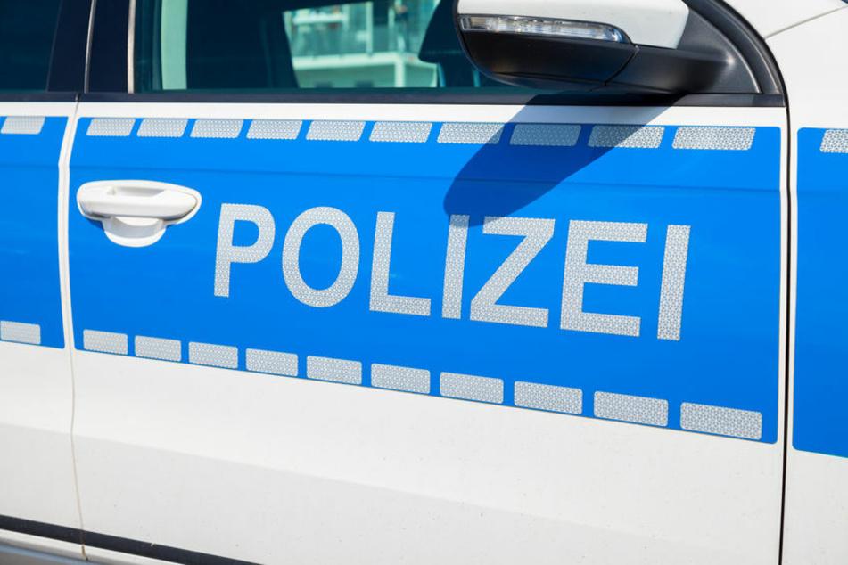 Die Polizei sucht im Fall des verletzten Mannes auf der Baustelle Zeugen. (Symbolbild)