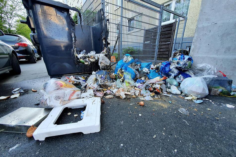 Unter anderem in der Straße Usti nad Labem fackelten Müllcontainer ab.