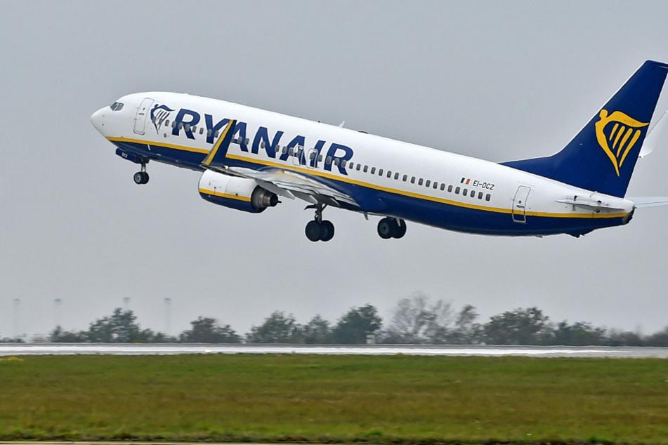 Trotz Reisewarnungen und Corona starten und landen die Ferienflieger.