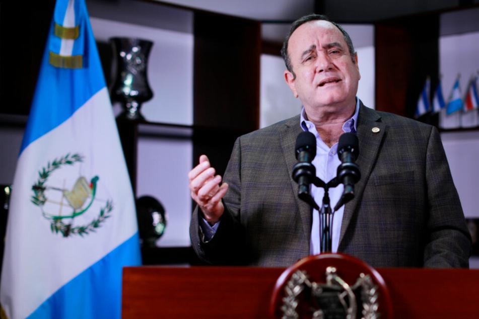 Guatemalas Präsident Alejandro Giammattei: Habe Corona überwunden