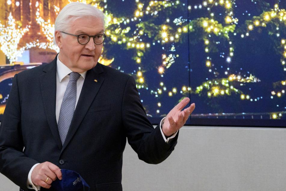 Bundespräsident Frank-Walter Steinmeier (64) hat mit dem Nürnberger Christkind Benigna Munsi (18) gesprochen.