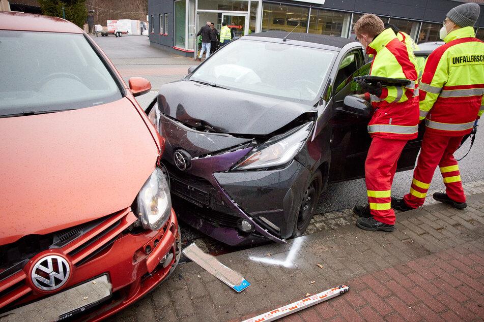 VW und Toyota stoßen zusammen: Fahrerinnen verletzt