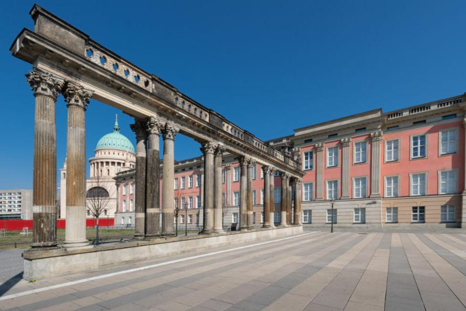 Brandenburg: Koalitionsfraktionen wollen Diäten wegen Corona einfrieren!