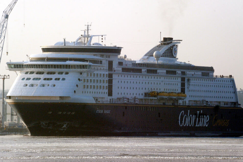 """Die Fähre """"Color Magic"""" fährt in den Kieler Hafen ein. (Symbolbild)"""