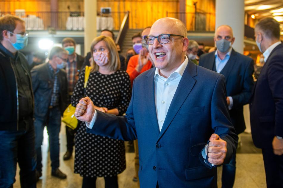 Sven Schulze (48, SPD) überholte seine Mitstreiter im zweiten Wahlgang deutlich. Er legte fast zwölf Prozentpunkte zu.