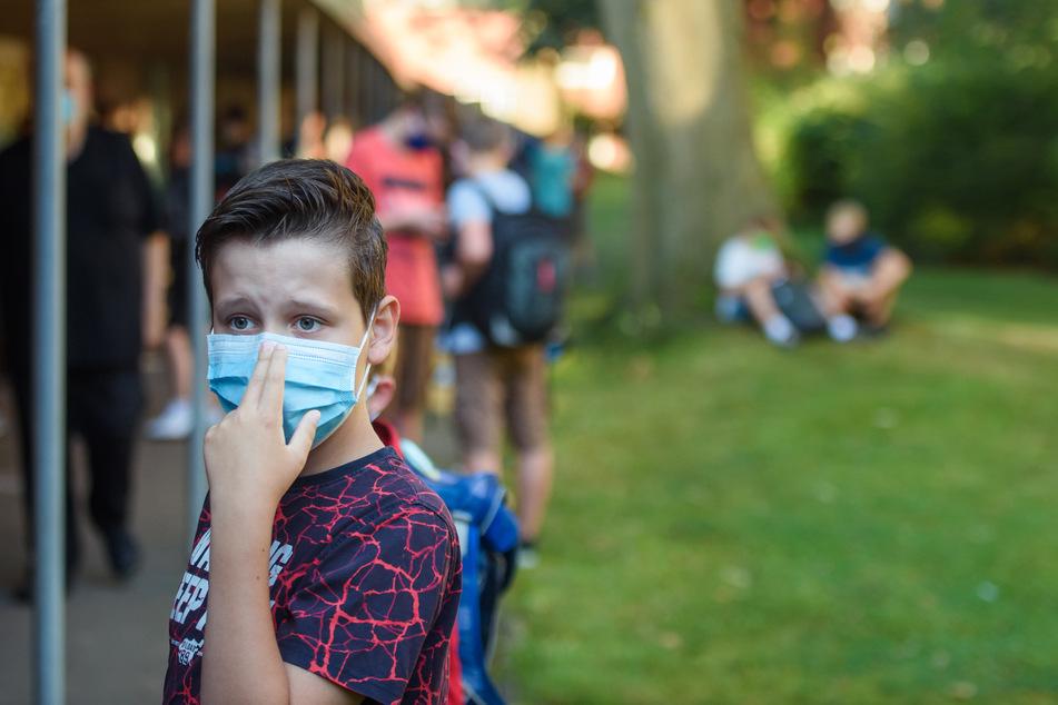 Eine Landkreis in Mecklenburg-Vorpommern hat 69.000 Masken für Schulen bereit gestellt.