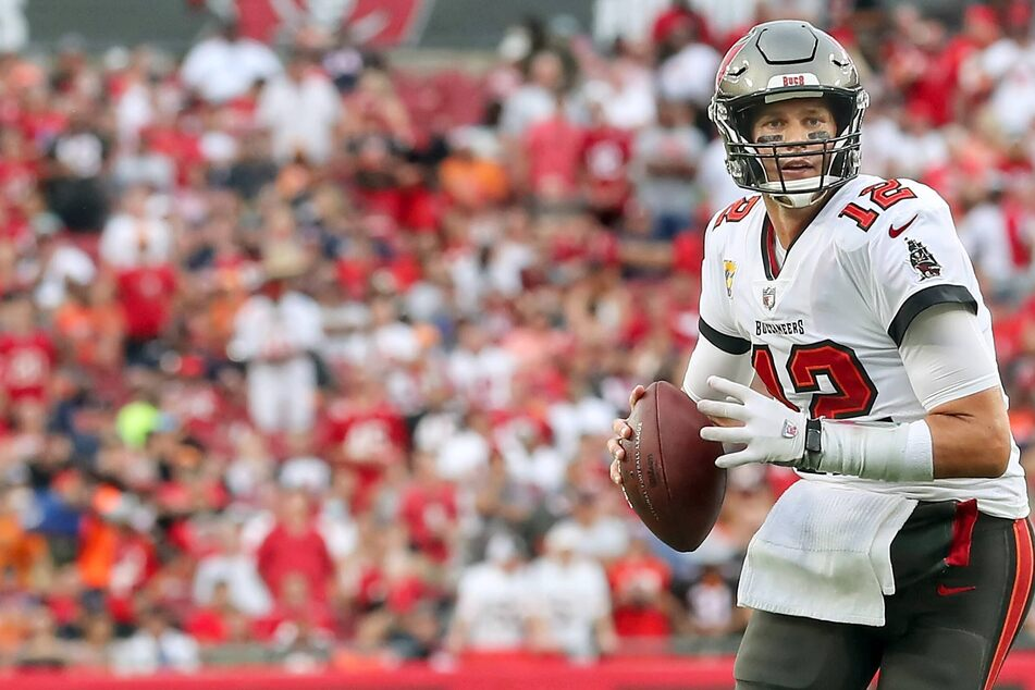 NFL: The Bears get bashed by the Bucs as Brady makes more football history