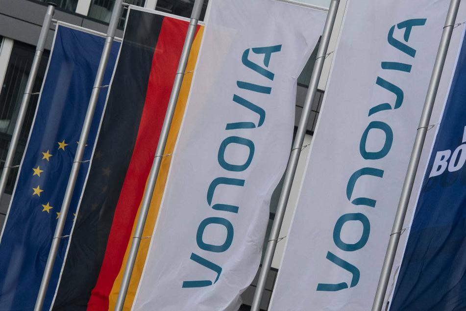 Der Immobilienkonzern Vonovia hat ein weiteres Übernahmeangebot für den Konkurrenten Deutsche Wohnen abgegeben.