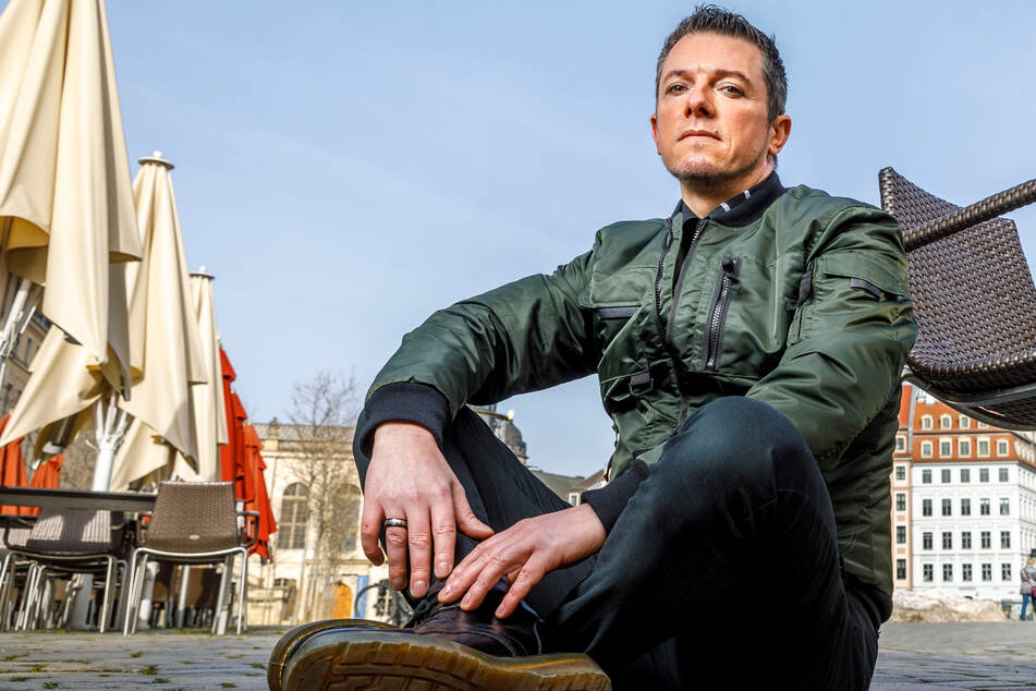 Dresden: Geschäft geschlossen, Auftritte abgesagt: Von so wenig Geld lebt Sänger Tom Reichel gerade