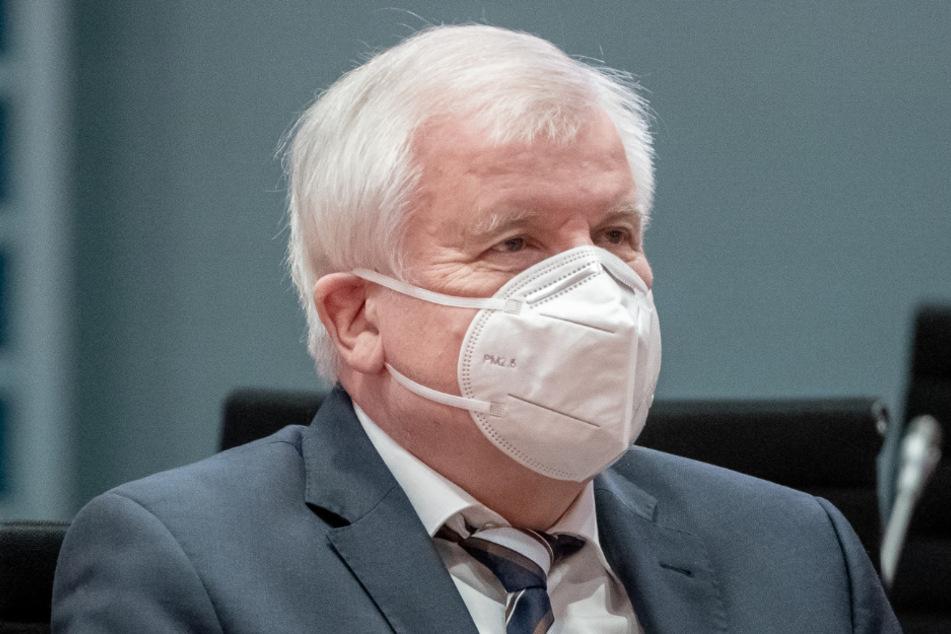Bundesinnenminister Horst Seehofer (71, CSU) will vor Ort teilnehmen.
