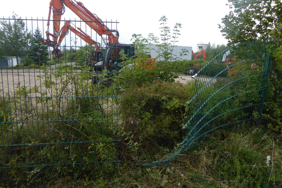 In Hirschfeld wurden von einem Firmengelände zwei Baumaschinen geklaut.
