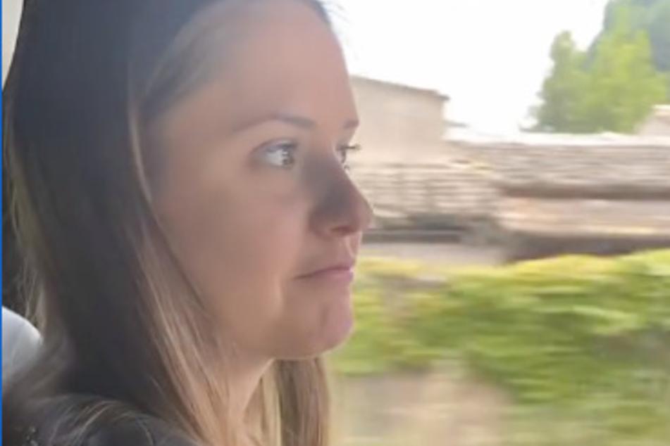 Davina Geiss (18) in der Mercedes G-Klasse ihres Papas.