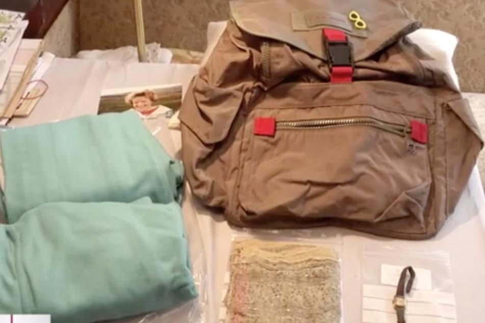Die Polizei hat die Gegenstände, die Beate am Tag ihrer Ermordung bei sich trug, wieder an Familie Landgraf übergeben.