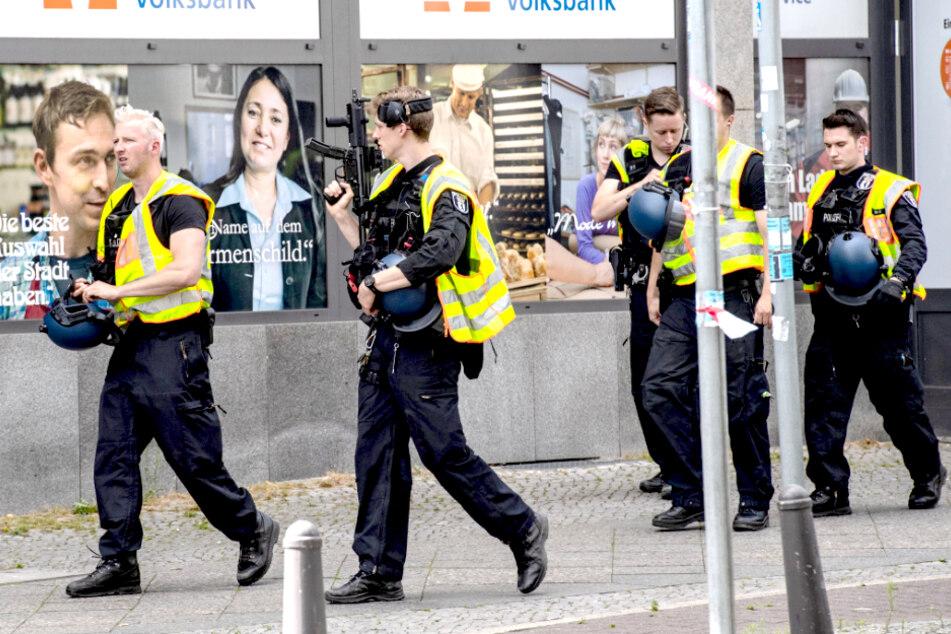 Schüsse gefallen! Versuchter Überfall auf Bankfiliale am Berliner Bundesplatz