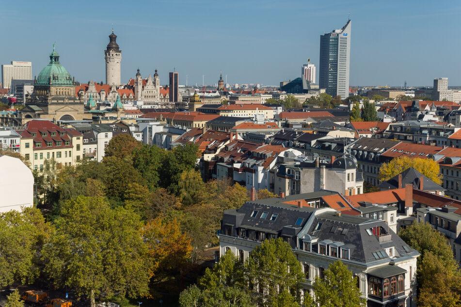 """""""Für über die Hälfte der Leipzigerinnen und Leipziger ist die Hitze in der Wohnung eine belastende Situation"""", so Umweltbürgermeister Heiko Rosenthal."""