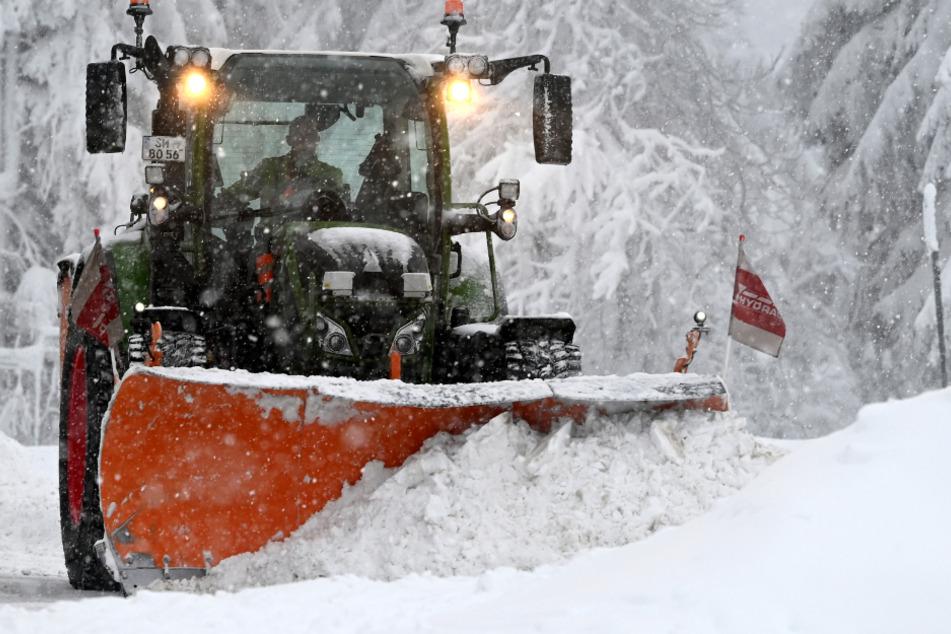 Elfjährige baut Iglu und wird von Schneepflug verschüttet