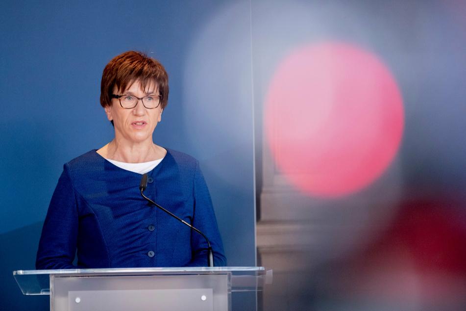 Kathrin Schneider (58, SPD), Ministerin und Chefin der Staatskanzlei, zeigte sich erfreut über die Entwicklung in Brandenburg.