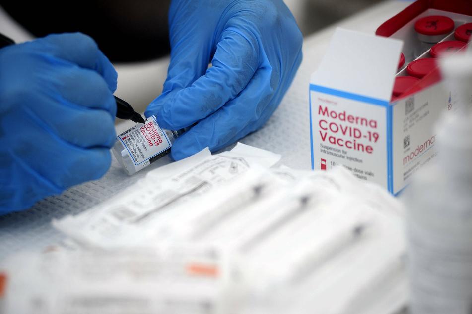 US' new coronavirus cases top 50,000 in 24 hours