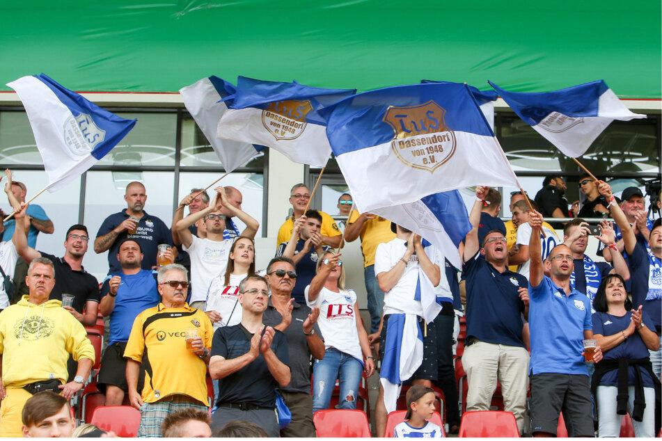 Gemeinsam standen Fans von TuS Dassendorf und Dynamo Dresden schon 2019 beim DFB-Pokalspiel in Zwickau nebeneinander (Archivfoto).