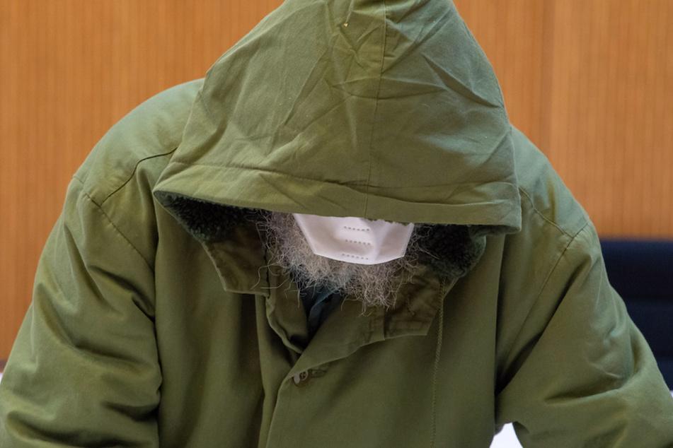 Jahrelang Stiefenkel missbraucht: So lange muss der Großvater hinter Gitter