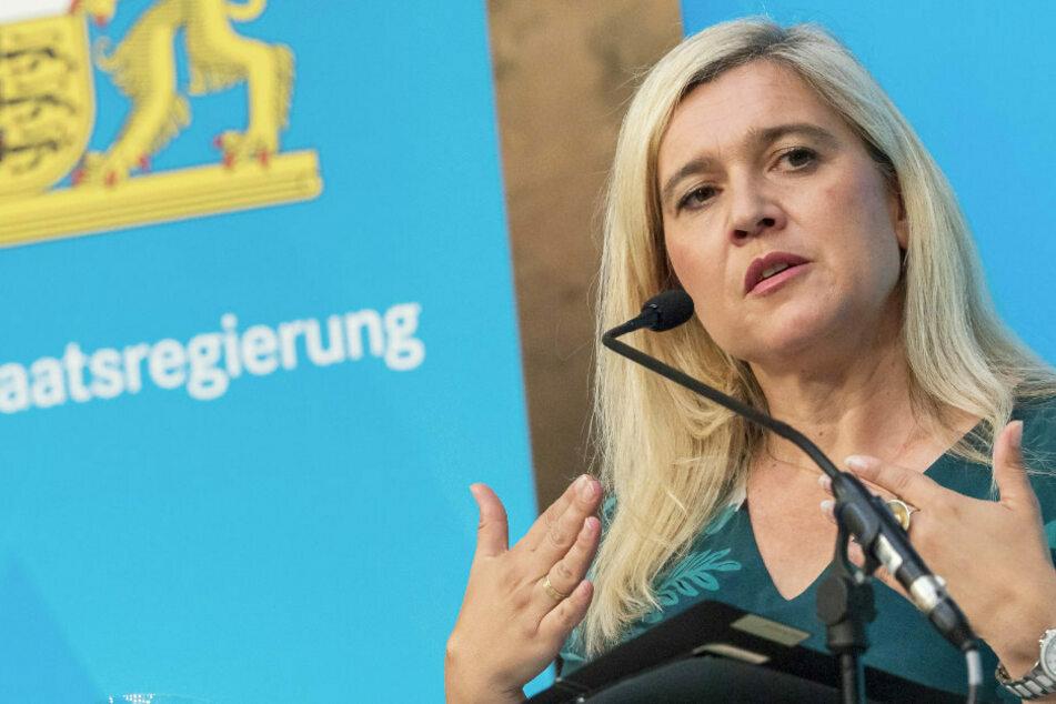 Gesundheitsministerin Melanie Huml (CSU) vermeldet die ersten 43.000 Corona-Impfungen in Bayern. (Archiv)