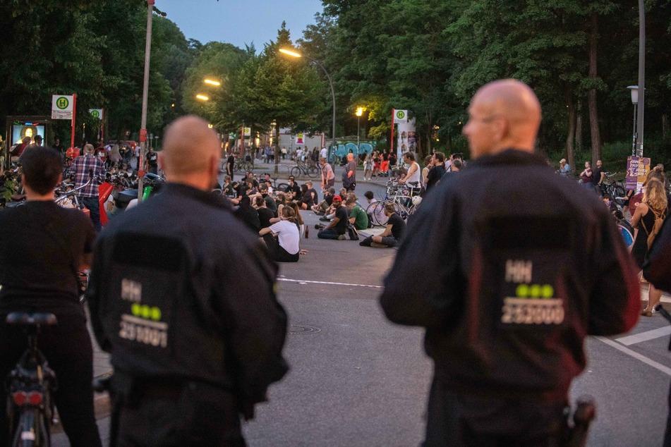 Demo und Alkoholverbot in der Schanze: Polizei rückt mit Großaufgebot an