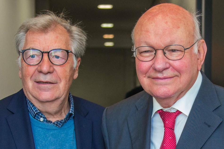 Die ehemals Regierenden Bürgermeister von Berlin, Eberhard Diepgen (79, CDU, l.) und Walter Momper (76, SPD), haben über das Für und Wider einer Rückkehr der Fans beim Hauptstadtderby diskutiert. (Archivfoto)