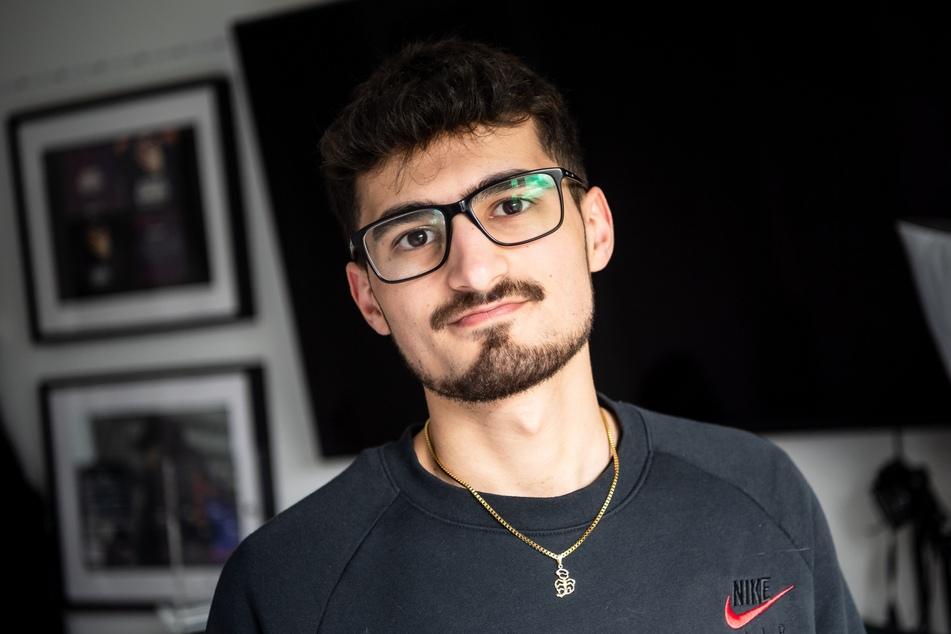 Kiarash Hashemi (22) aus Drangstedt in Niedersachsen ist als Musikproduzent für Deutsch-Rapper erfolgreich.
