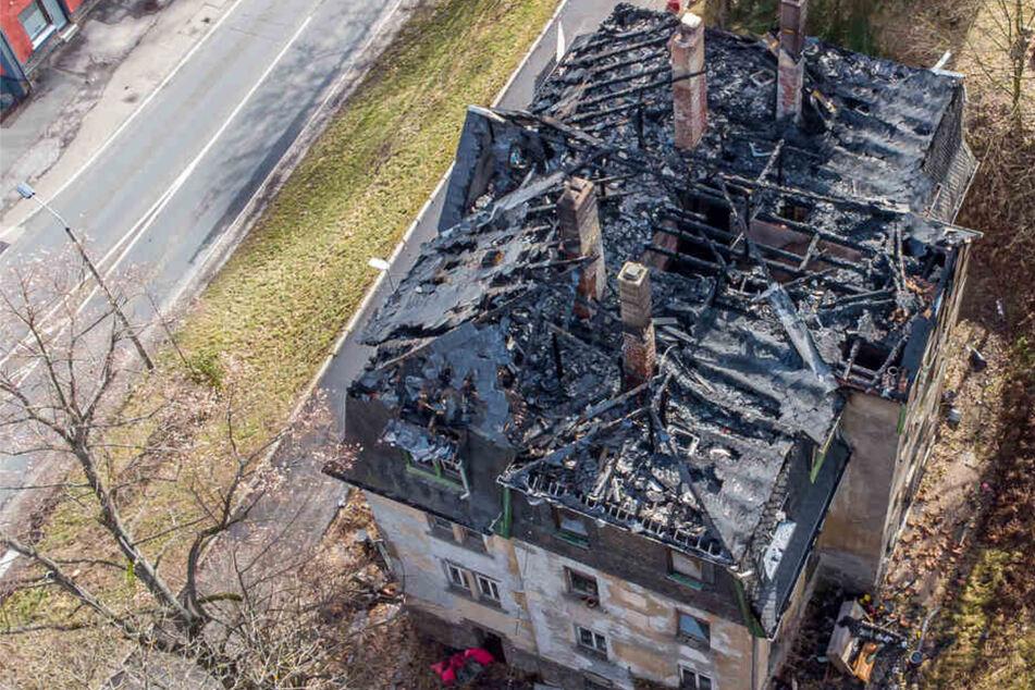 Nach Feuer in Lost Place im Erzgebirge: Polizei ermittelt wegen Brandstiftung!