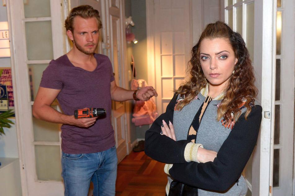 Emily bekommt eine freche Ansage von Peach, die ihr Liebesleben mit Paul betrifft.