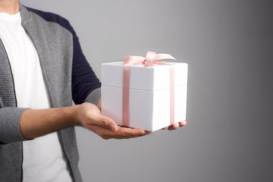 Bei Geschenken an ihre Kinder sollten Eltern Verantwortung zeigen. (Symbolbild)