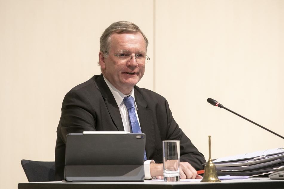 Ordnungsbürgermeister Detlef Sittel (53, CDU) muss die Personalprobleme bei der Feuerwehr lösen.
