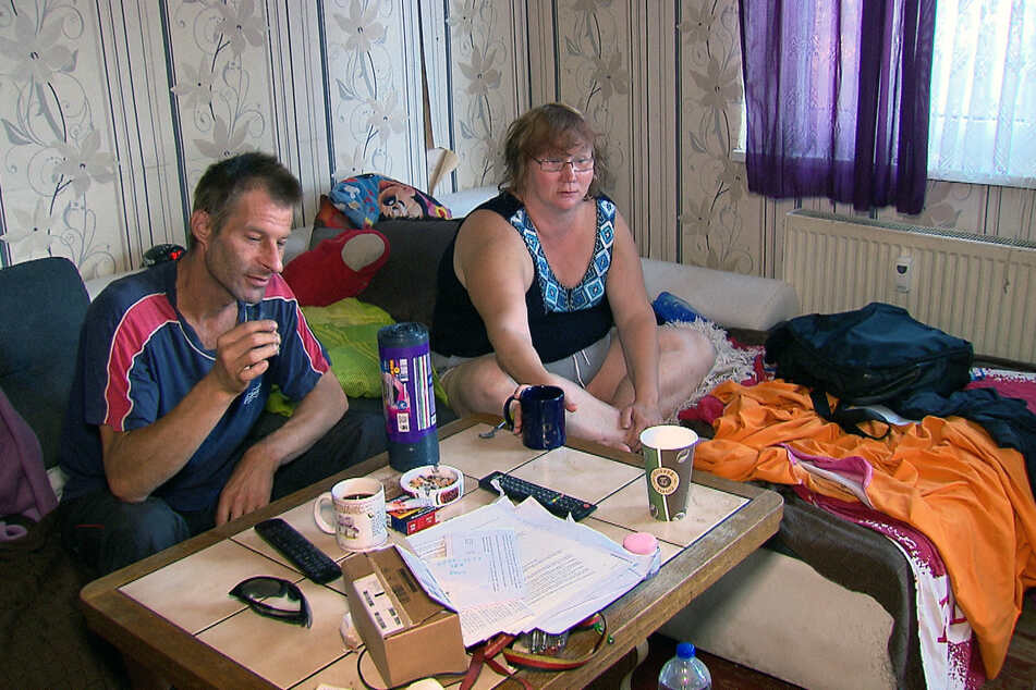René (43) und Christine (35) wurde die Wohnung gekündigt und eine neue Bleibe ist noch nicht in Sicht.
