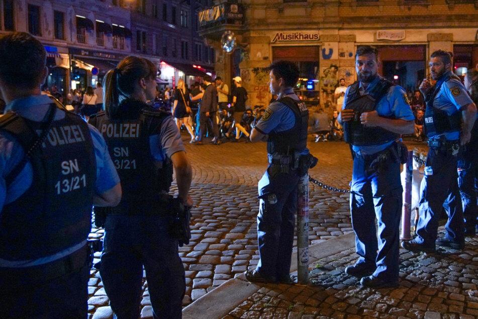 Dresden: Wieder Einsatz in der Dresdner Neustadt: Polizei stellt drei Drogenbesitzer fest