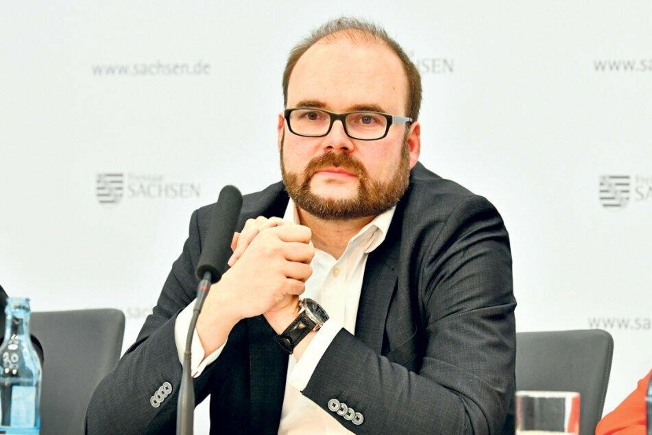 Kultusminister Christian Piwarz (44, CDU) hat die Schulen informiert, wie sie sich auf die Wiedereröffnung vorbereiten sollen.